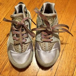 Women's Nike Air Huarache sneakers US 6